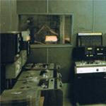電磁波シールドルーム用ガラス「マグペーン」